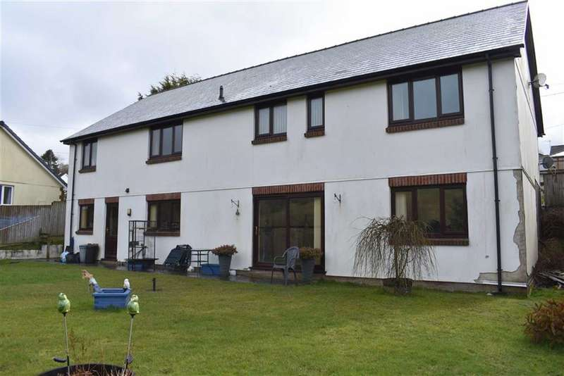 4 Bedrooms Detached House for sale in Pencader
