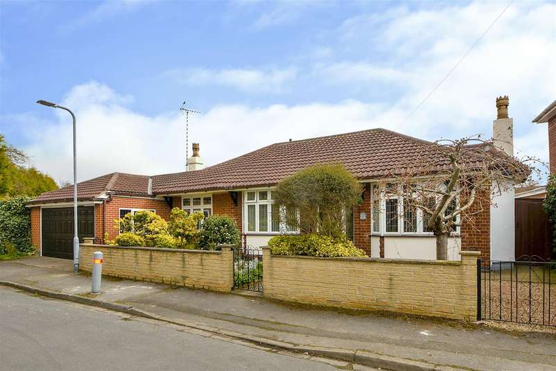 2 Bedrooms Detached Bungalow for sale in Hillview Road, Toton