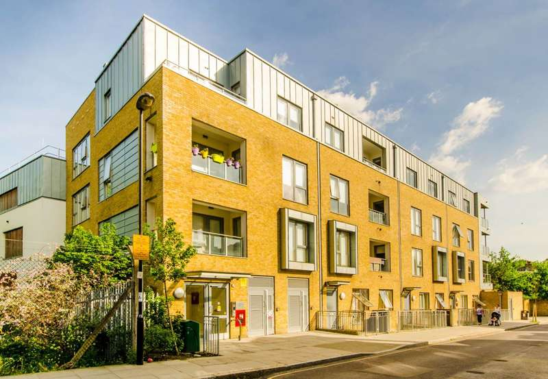 2 Bedrooms Flat for sale in Corsica Street, Highbury and Islington, N5