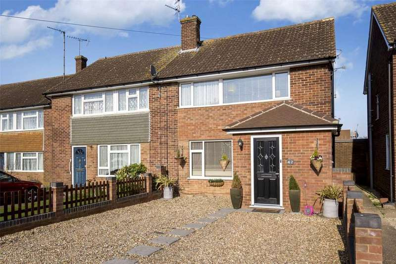 3 Bedrooms Semi Detached House for sale in Glebe Close, Pitstone, Leighton Buzzard, LU7