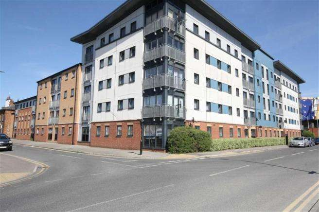 3 Bedrooms Flat for sale in Spring Street, Hull, East Yorkshire, HU2 8RD