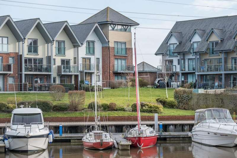 5 Bedrooms Town House for sale in Cormorant Grove, Island Harbour
