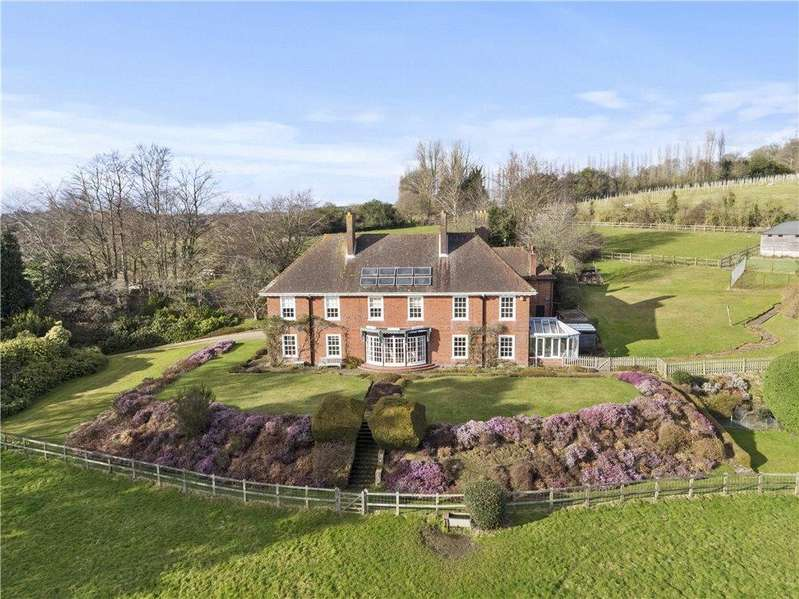 5 Bedrooms Detached House for sale in Woodhill Lane, Shamley Green, Guildford, Surrey, GU5