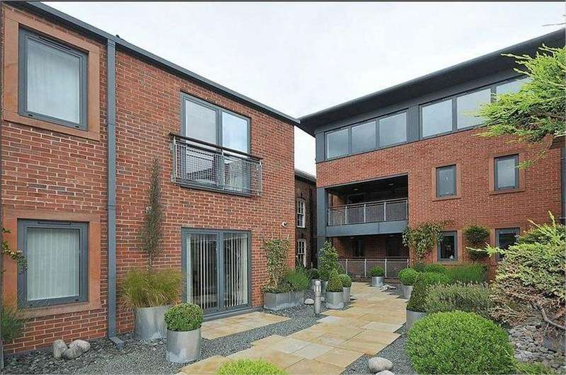 2 Bedrooms Penthouse Flat for sale in King Street, Knutsford