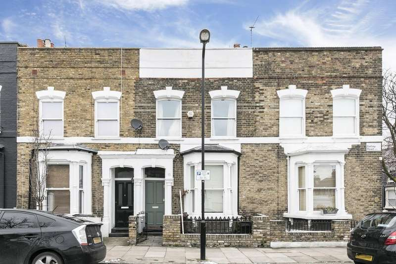4 Bedrooms Terraced House for sale in Batley Road, London, N16