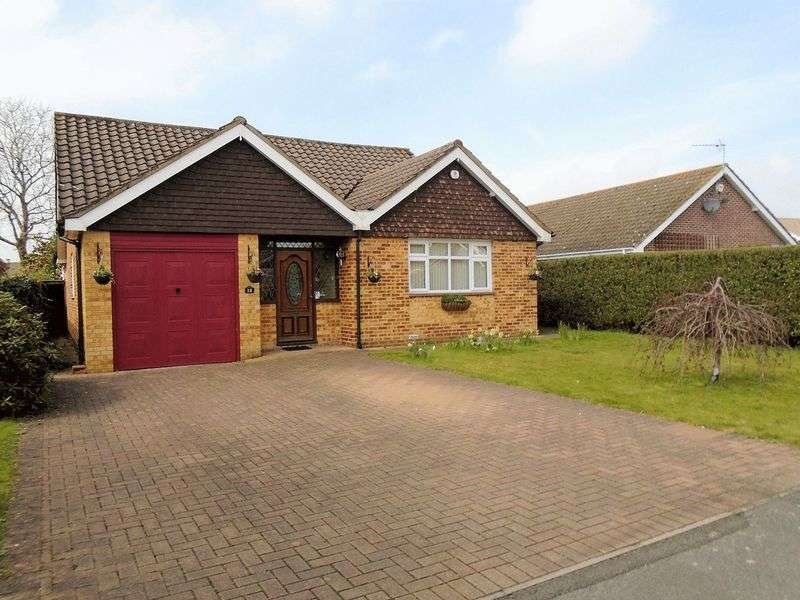 3 Bedrooms Property for sale in East Lodge, Catisfield, Fareham