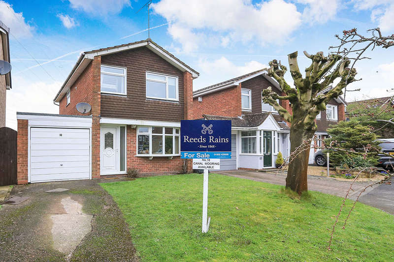 3 Bedrooms Detached House for sale in Waterdale Wombourne, WOLVERHAMPTON, WV5