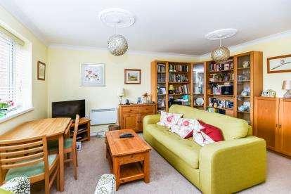 2 Bedrooms Flat for sale in Gravelly Lane, Erdington, Birmingham, West Midlands