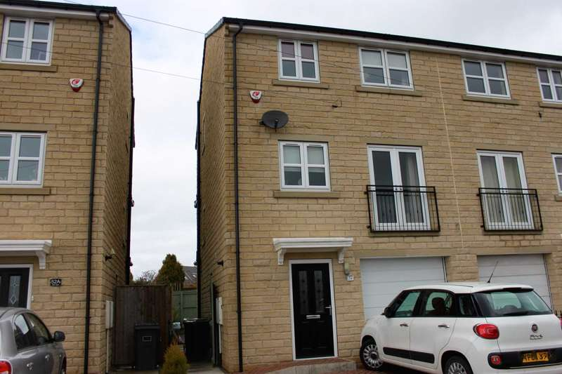 4 Bedrooms Semi Detached House for sale in Raikes Lane, Batley