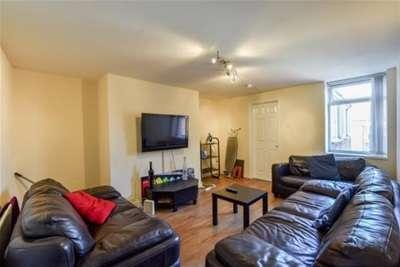 6 Bedrooms Maisonette Flat for rent in Warwick Street, Heaton
