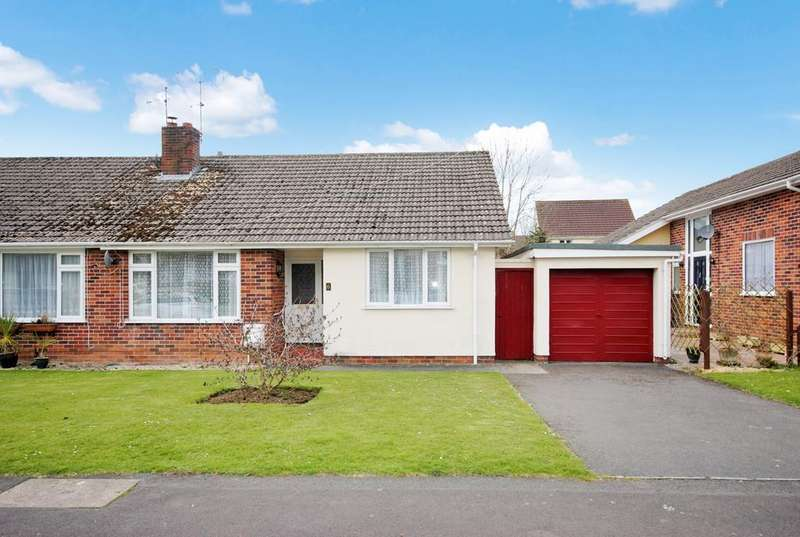 4 Bedrooms Semi Detached Bungalow for sale in Penn Road, Cheddar