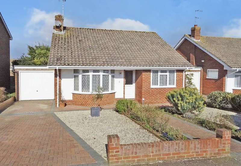 2 Bedrooms Detached Bungalow for sale in Greystone Avenue, Tarring, Worthing BN13 1LR