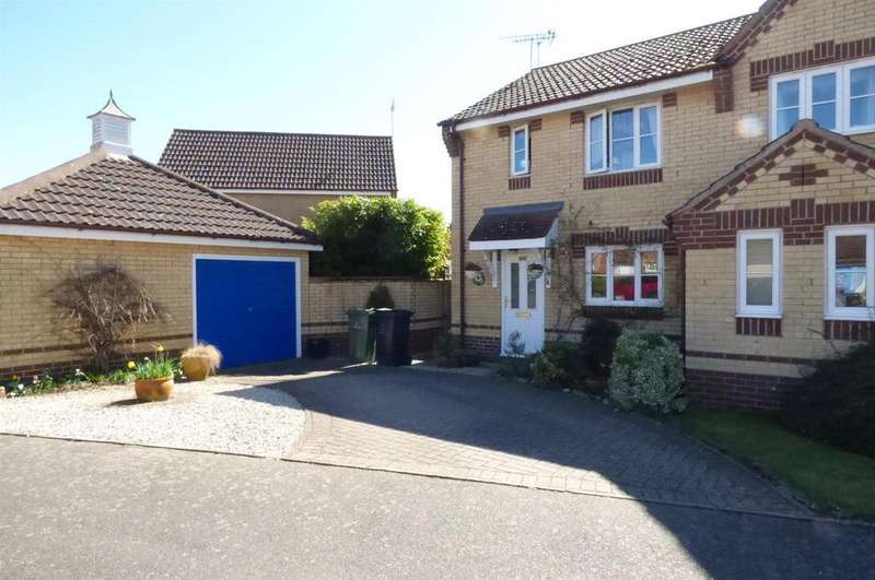 3 Bedrooms Semi Detached House for sale in Mallow Road, Thetford