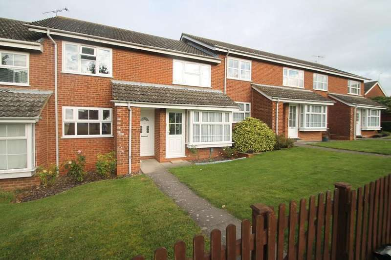 2 Bedrooms Maisonette Flat for sale in Hillary Close, Stoke Grange, Aylesbury