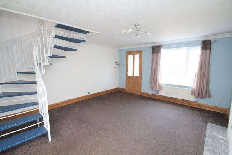 2 Bedrooms Semi Detached House for sale in Clover View, Rochdale OL16 2YX