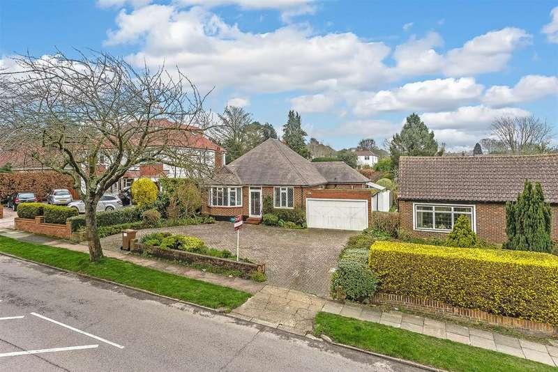 2 Bedrooms Detached Bungalow for sale in Great Tattenhams, Epsom