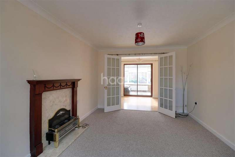 3 Bedrooms Detached House for rent in Tharston, NR15