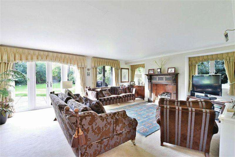 6 Bedrooms House for sale in Grange Gardens, Farnham Common