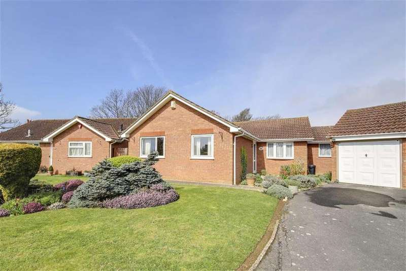 3 Bedrooms Detached Bungalow for sale in Eton Close, Seaford