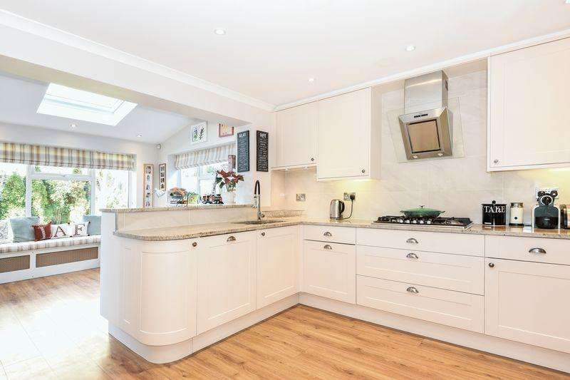 4 Bedrooms Village House for sale in Haddenham, Buckinghamshire