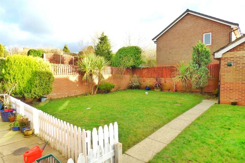 3 Bedrooms Detached House for sale in Buttercup Drive, Moorside, Oldham, Greater Manchester, OL4