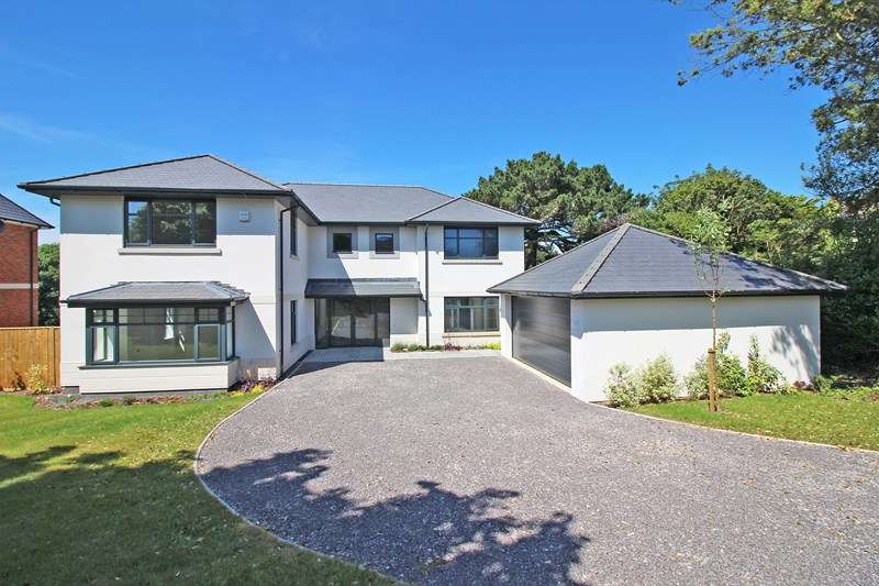 6 Bedrooms Detached House for sale in Whitby Road, Milford On Sea, Lymington