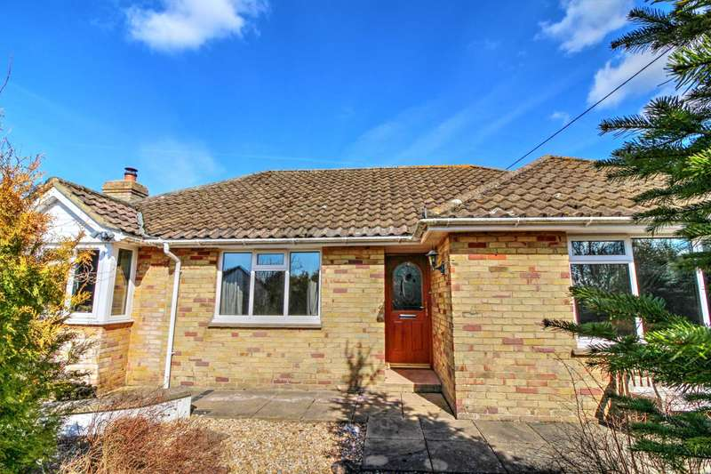 3 Bedrooms Detached Bungalow for sale in Gunville Hill, Winterslow