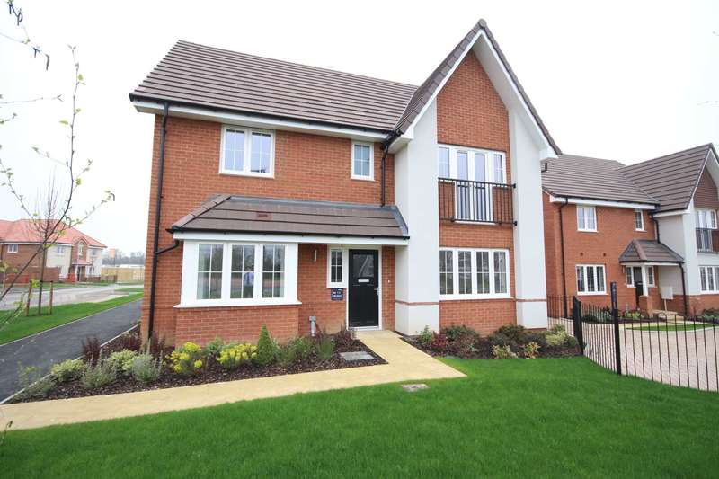 4 Bedrooms Detached House for sale in Hubbard Road, Binfield