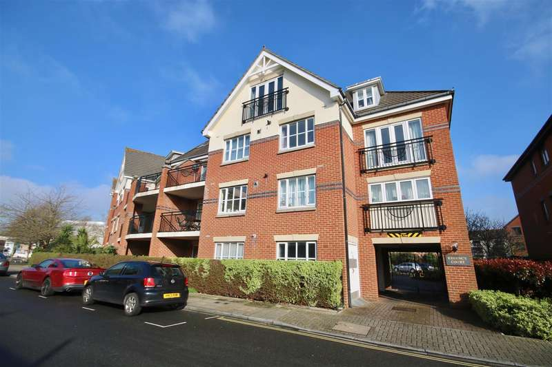 3 Bedrooms Penthouse Flat for sale in Regency Court, King Charles Street, Old Portsmouth