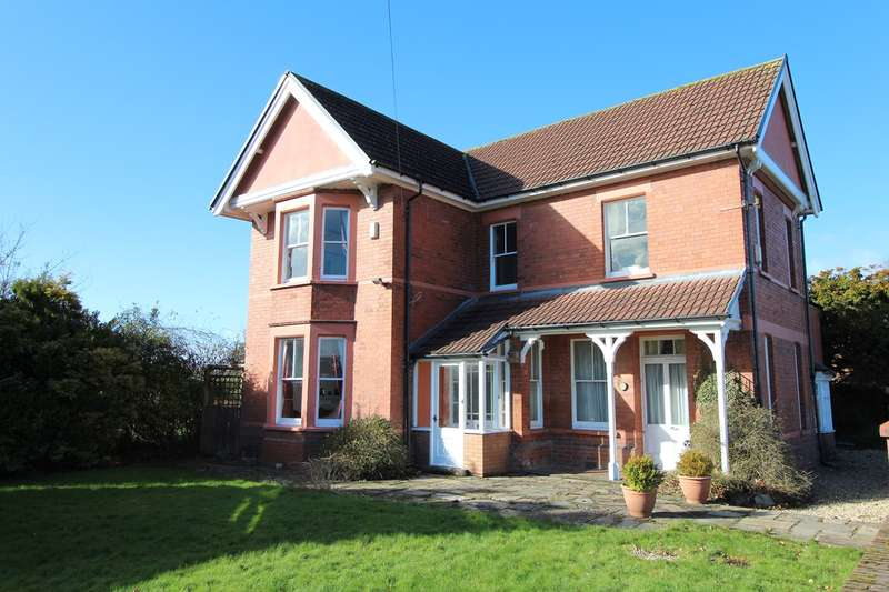 4 Bedrooms Detached House for sale in Caerleon Road, Ponthir, Caerleon, NP18