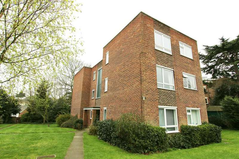 1 Bedroom Ground Flat for sale in Lincoln Road, Enfield EN1