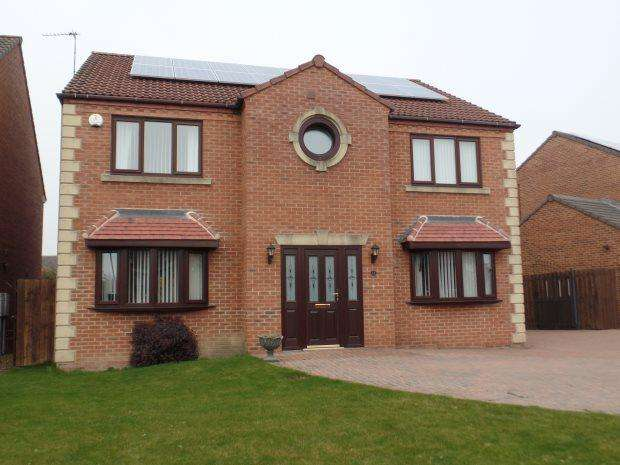 4 Bedrooms Detached House for sale in MAYTHORNE DRIVE, SOUTH HETTON, PETERLEE AREA VILLAGES