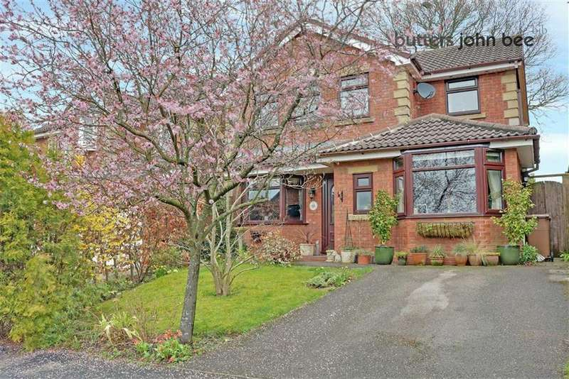 4 Bedrooms Detached House for sale in Derwent Avenue, Stone, Staffordshire