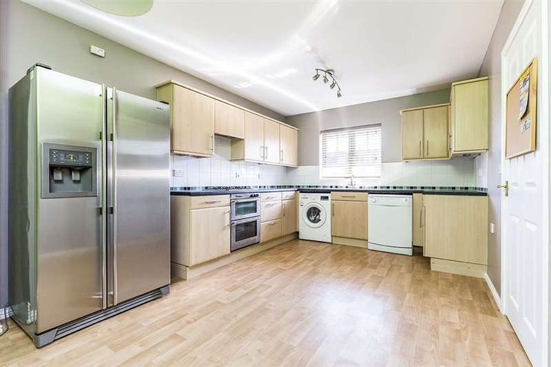 3 Bedrooms Semi Detached House for sale in Caspian Close, Fishbourne, Chichester, West Sussex