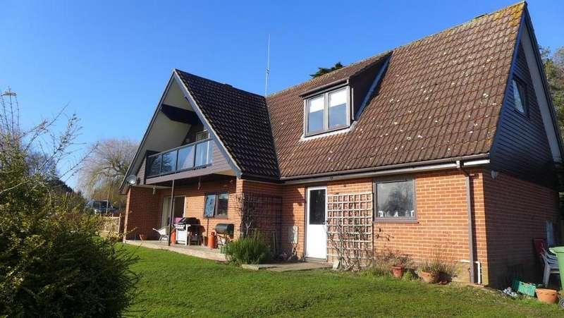 4 Bedrooms Detached House for rent in Dunburgh Road, Geldeston