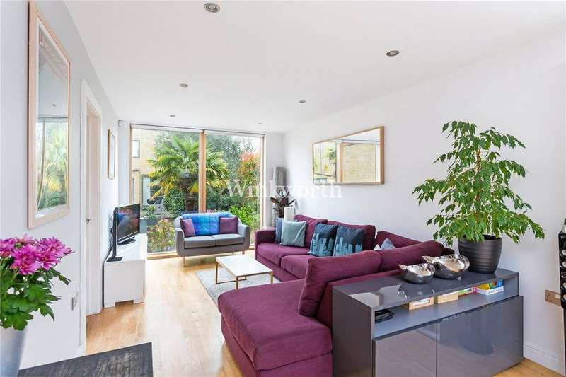 3 Bedrooms End Of Terrace House for sale in Admiral Place, Effingham Road, London, N8
