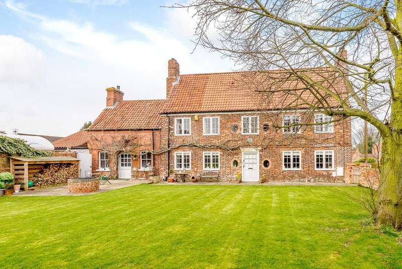5 Bedrooms Detached House for sale in The Manor House, 39 High Street, Swinderby, Lincoln, LN6