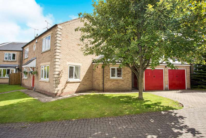 3 Bedrooms Detached House for sale in Berry Hill Mews, Mansfield NG18