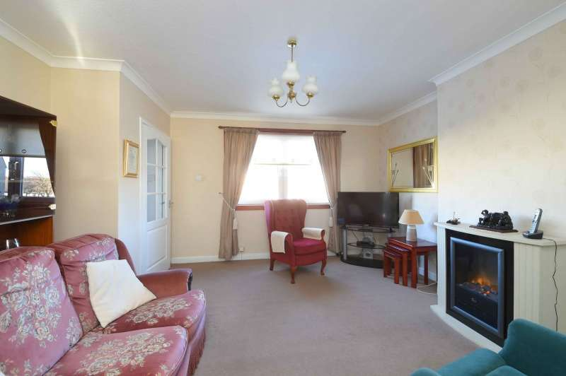 2 Bedrooms Terraced House for sale in Craignethan View, Kirkmuirhill, South Lanarkshire, ML11 9SJ