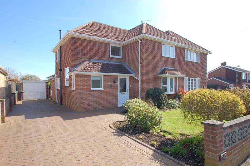 4 Bedrooms Semi Detached House for sale in Jellicoe Avenue, Alverstoke, Gosport