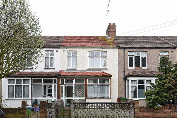 3 Bedrooms Terraced House for sale in Collingwood Road, MITCHAM, Surrey, CR4