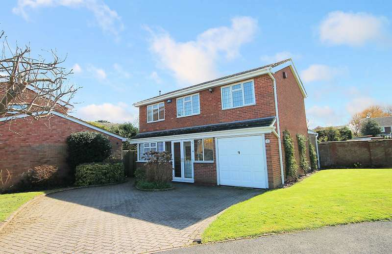 3 Bedrooms Detached House for sale in Browsholme, Riverside,Tamworth, B79 7TY