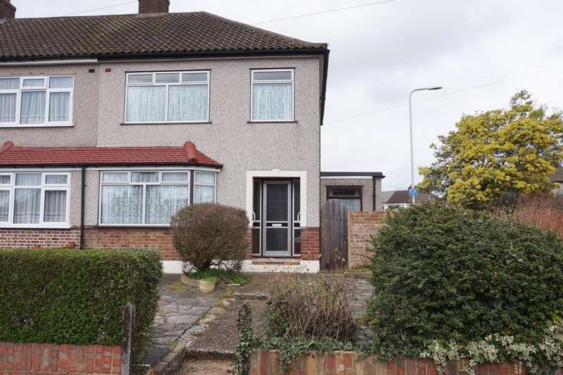3 Bedrooms Semi Detached House for sale in Great Gardens Road, Hornchurch RM11