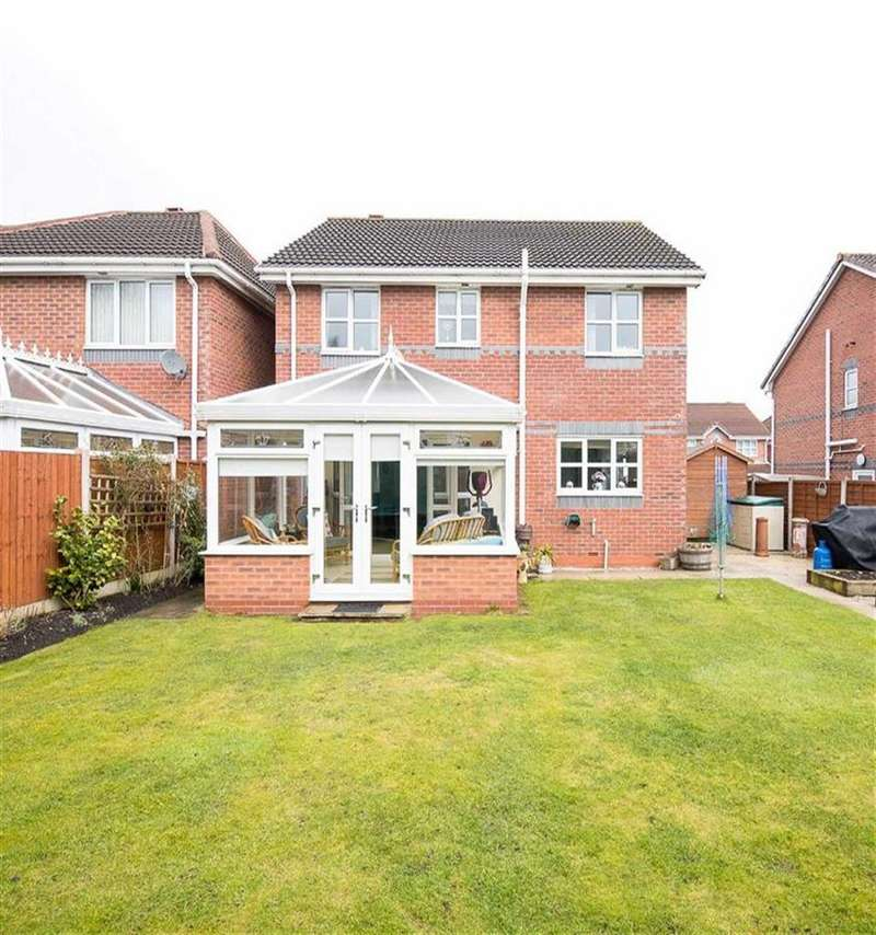 4 Bedrooms Detached House for sale in Hawthorn Avenue, Burscough Ormskirk, L40