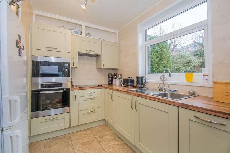 3 Bedrooms Semi Detached House for sale in Heol Y Deri, Pontypridd