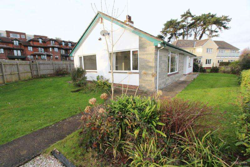 2 Bedrooms Detached Bungalow for sale in Rathmore Road, Torquay
