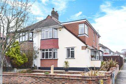 4 Bedrooms House for sale in Bolderwood Way, West Wickham