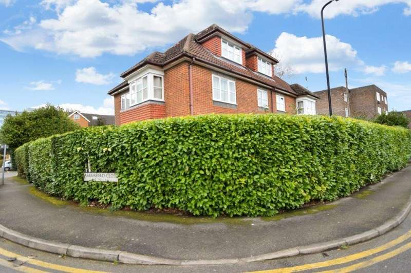 1 Bedroom Flat for sale in Locksley Court, Arborfield Close, Slough, SL1