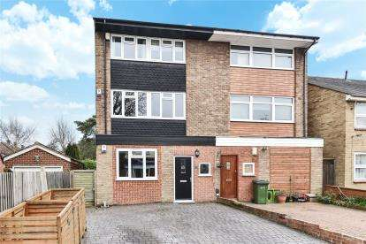 4 Bedrooms Semi Detached House for sale in Avery Hill Road, London