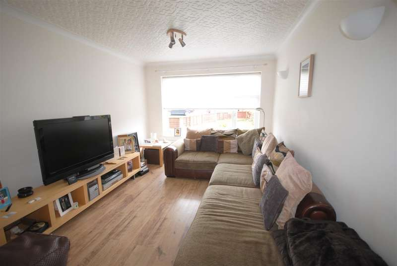3 Bedrooms Semi Detached House for sale in Stanton Close, Hawkley Hall, Wigan